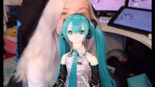 $1000 Hatsune Miku Doll unboxing