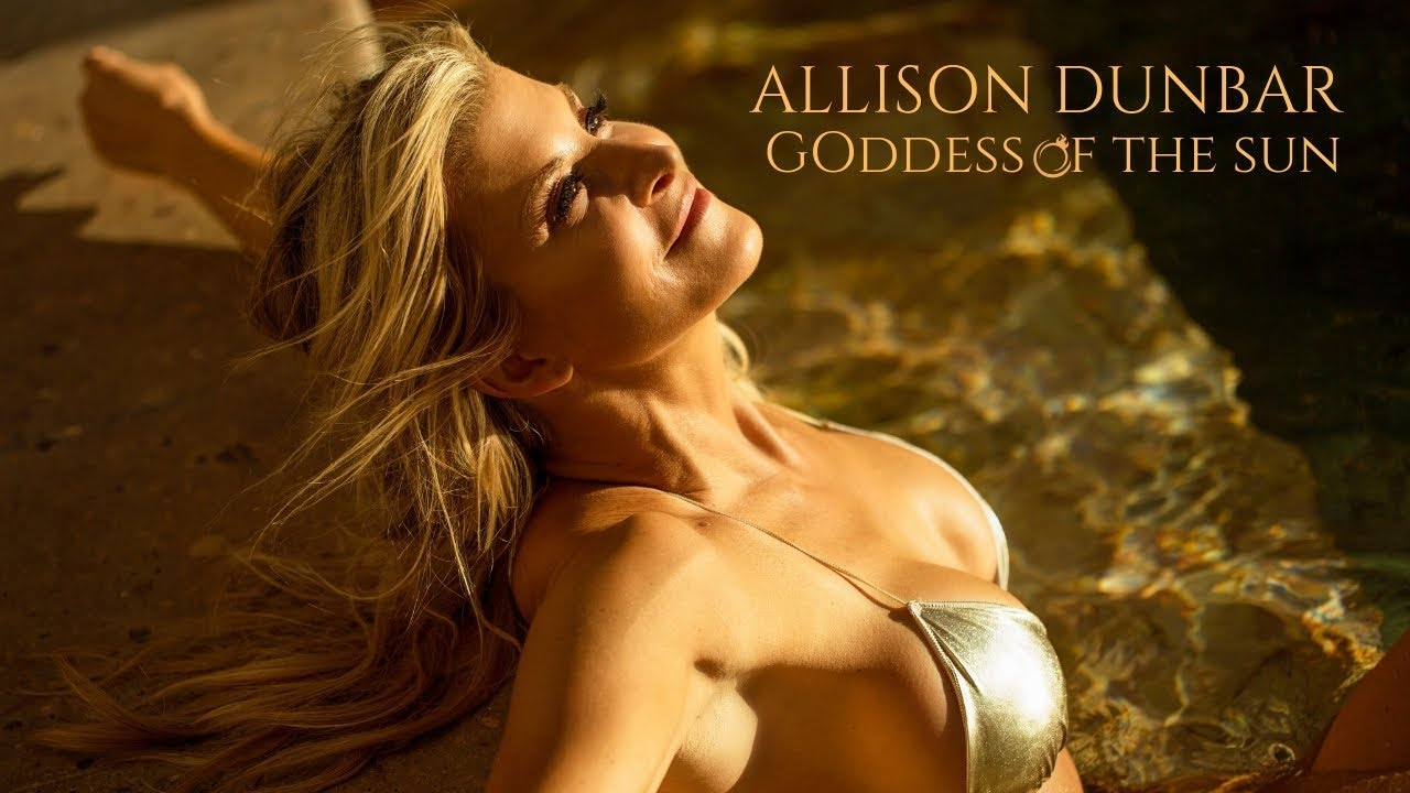 Allison Dunbar Nude Photos 17