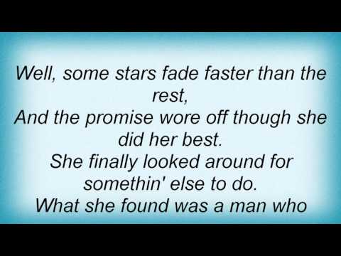 Laura Cantrell - Queen Of The Coast Lyrics