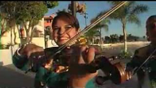 Mariachi Femenil Perlitas Tapatías (el primer mariachi femenil en el mundo entero)