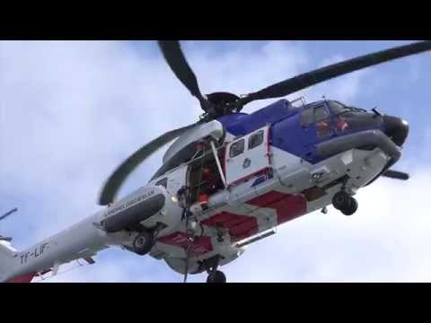 Iceland Coast Guard: helicopter rescue training and inflight refueling (Super Puma)