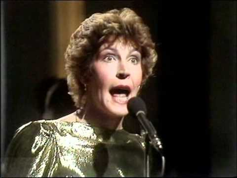 "HELEN REDDY - ""ANGIE BABY"" - TOP OF THE POPS LIVE (1981)"