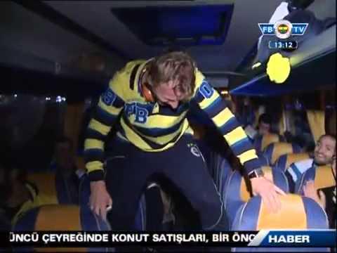 Dirk Kuyt & Gökhan Gönül - GANGNAM STYLE :)