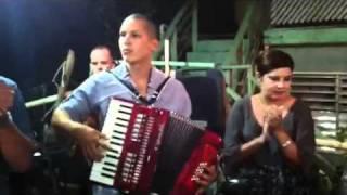CHACO PARRANDA PUERTORIQUEÑA EN  La Plena, Salinas, PR año nuevo 1-1-2012