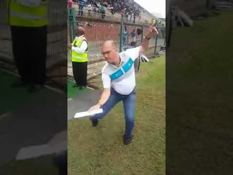 Amazulu VS Orlando pirate - White Guy's Zulu Dance