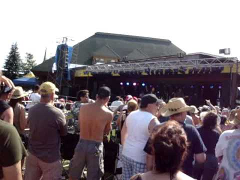 "Trooper ""Two For the Show"" live @ Mattawa Voyageur Days 2011"