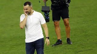 ¡El DETALLAZO de Diego Martínez (Granada CF) con sus jugadores!