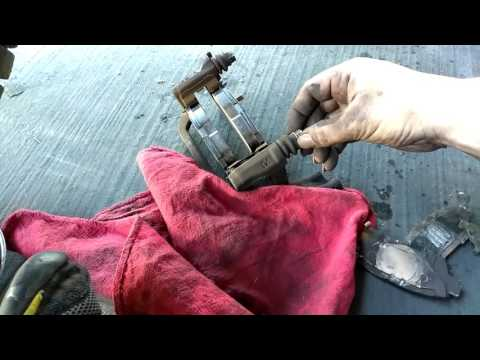 Change Toyota Sienna 2006 Brake Pads In 8 Minutes Doovi