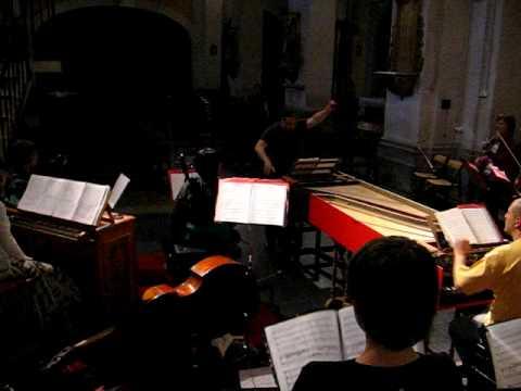 Richad Egarr ensayando cantatas Bach con Hippocampus y Coro Ciudad de León