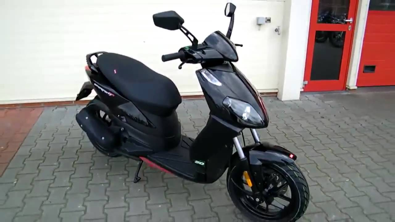 aprilia sport city 50 one 2t 2010 roller youtube. Black Bedroom Furniture Sets. Home Design Ideas