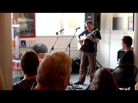 Alan Burke sings Bridget Donohue at the Corn Excha...