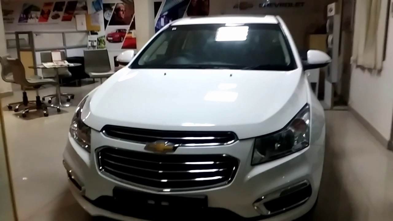 Chevrolet Cruze White Color 2017 First Look Over View India
