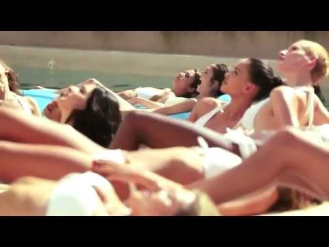 Women at a luxury villa in Ibiza - Unravel Travel TV
