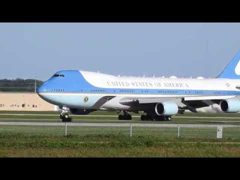 Air Force One Departing From Sioux Falls Regional Airport