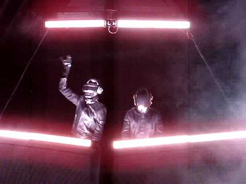 Daft Punk Alive 2007 Denver - Television/Around the World Intro (Close Up)