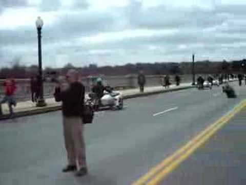 March on the Pentagon - Crossing the Potomac