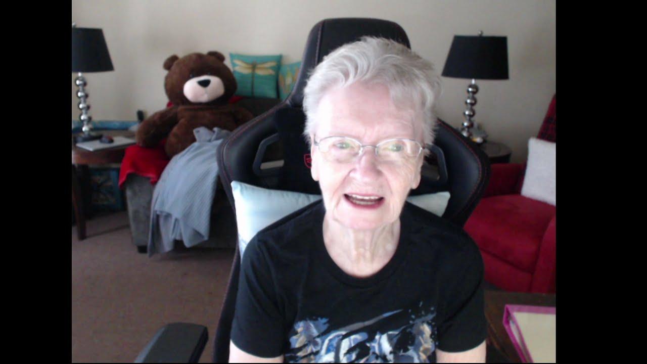 SkyrimSE: Granny Shirl's Bookshelf2; #34 A Bear Encounter