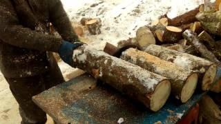 Пилим дрова минитрактором мтз 082 Беларусь(, 2016-01-26T20:09:23.000Z)