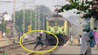 Idiotic STUNT & HIGH SPEED Train    12391 SHRAMJEEVI SF Express !!