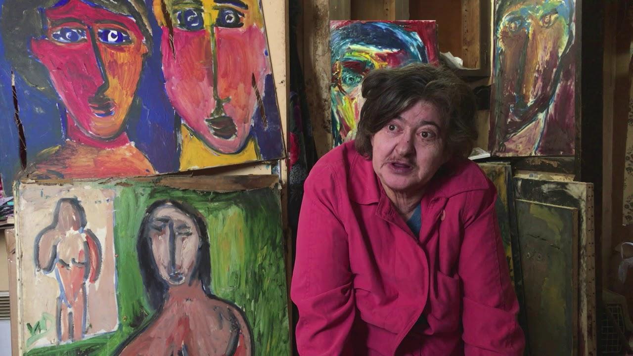 Vanina est artiste peintre elle est aid e par charles for Artiste peintre poitiers