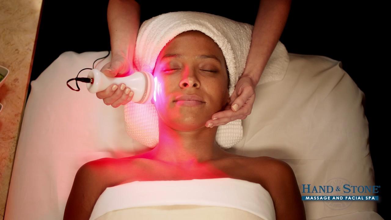 Led Light Phototherapy Treatment At Hand Amp Stone Youtube
