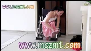 Repeat youtube video China wheelchair girl