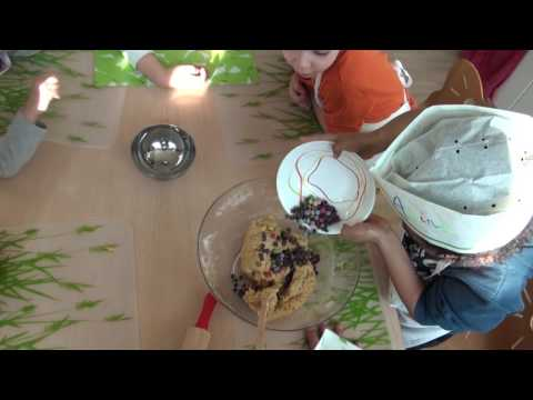 Atelier Cookies A La Creche Eve Marcelly A Geneve Youtube