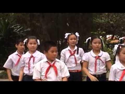 Múa dân vũ Em yêu tổ quốc Việt Nam