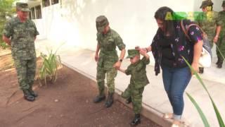 La 20/a zona militar en Colima honró Victoria Zamora como Soldado Honorario