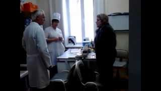 Бесплатная медицина часть 1(10 марта 2013 жена упала и ушибла палец. поехали в травмоталогию. Врач осмотрел, направил на рентген и судяпо..., 2013-04-05T10:47:33.000Z)