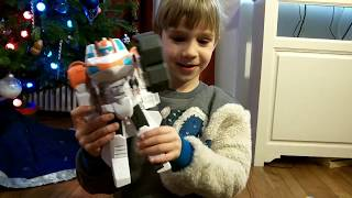 Playskool Rescue Bots & Heroes, Blades and Iron Man - SuperTwins TV
