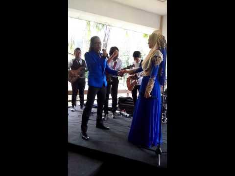 Leez&Aepul nyanyi di hari persandingan