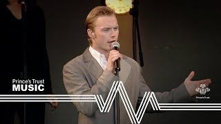Ronan Keating performing When You Say Nothing At All in front of mo...