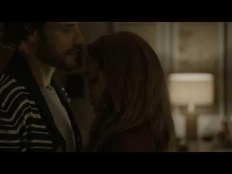 Sin Identidad - María y Juan pasan una noche de pasión juntos