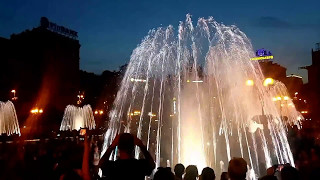Музыкальный фонтан в Киеве на Крещатике