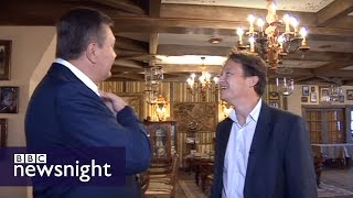 Viktor Yanukovych meets Gabriel Gatehouse - BBC Newsnight(Gabriel Gatehouse has this exclusive interview with former Ukrainian president Viktor Yanukovich. Filmed in Moscow. Follow @BBCNewsnight on Twitter ..., 2015-06-22T22:02:52.000Z)