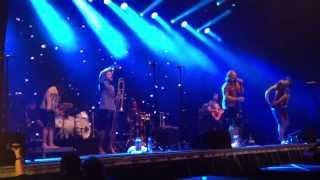 """LaBrassBanda - """"Nackert"""" live BR Radltour"""