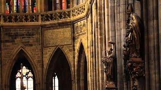 プラハ城 Panasonic casts a warm glow over World Heritage sites   Prague Castle