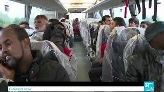 أكثر من 2300 مهاجر يغادرون مخيم كاليه في اليوم الأول من عملية الإخلاء