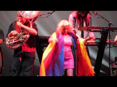 Blondie - &39;The Tide Is High&39; - Madison Square Garden - NYC 62715