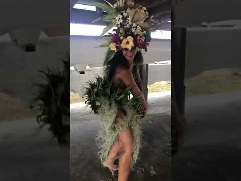 Mesmerizing Tahitian Twerk Will Make You Grab Your Grass Skirt