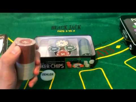 Два набора для покера на 100 фишек с номиналом в жестяном боксе