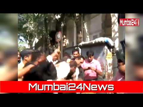 Attackn on Lawyer by Maratha Youngster Near Mumbai High Cour