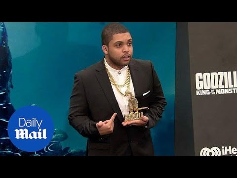O'Shea Jackson Jr. Shows Off Jewelry At The Godzilla Premiere