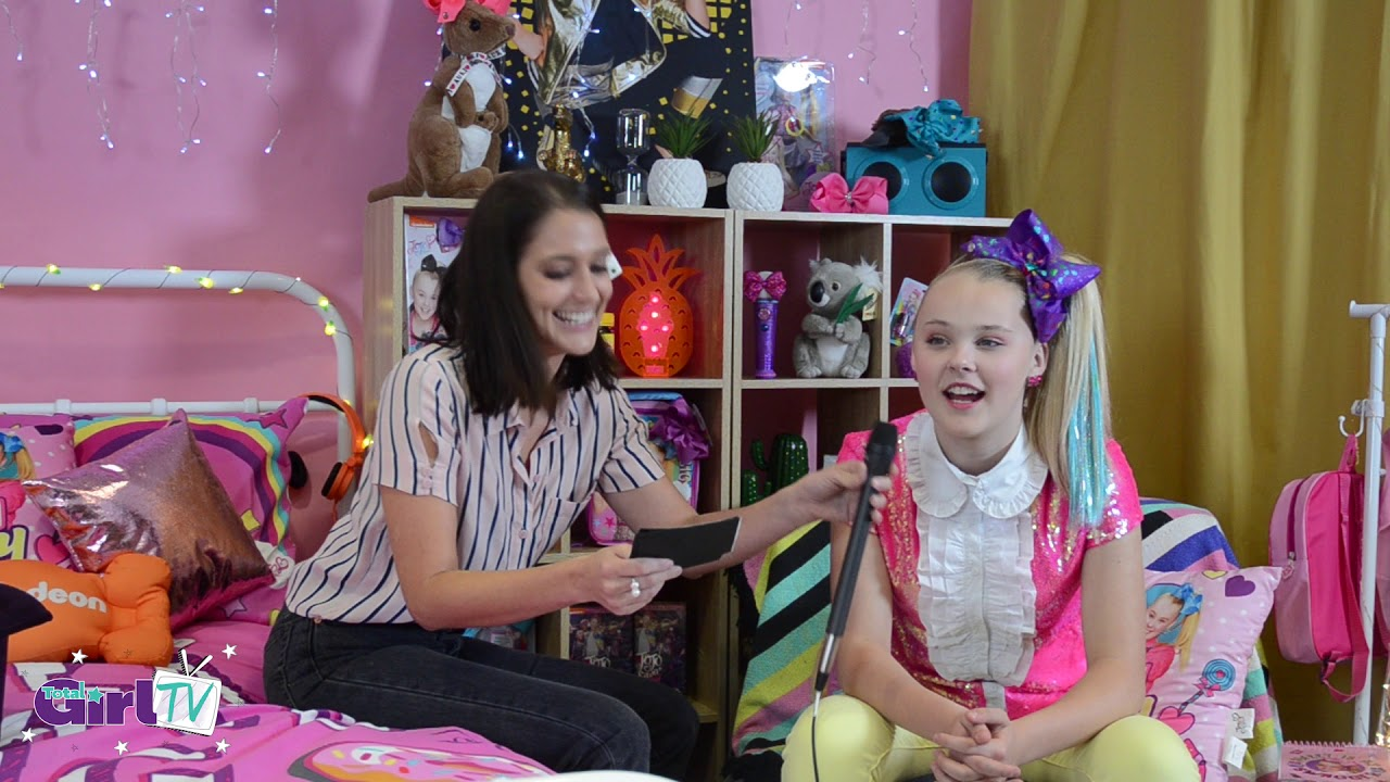 8cec107d3 JoJo Siwa Hanging With Team Total Girl - YouTube