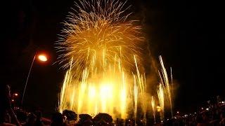 静岡県富士市の富士まつりの花火中盤のデジタルスターマイン。富士市に...