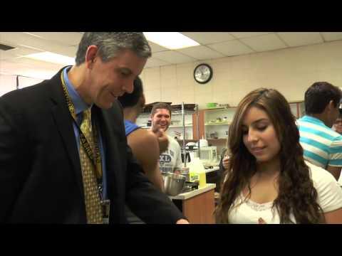 US Secretary of Education Arne Duncan Visits Streamwood High School