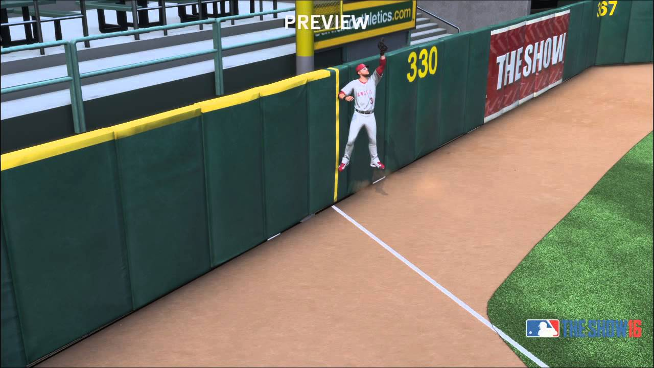 Mlb The Show 16 Ball Hits Head And Goes Over The Fence For A Home