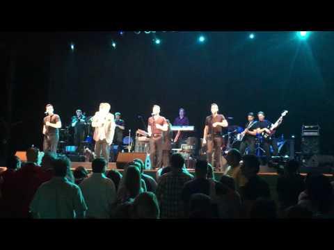 Frankie Valli 'Walk Like A Man' - California Mid State Fair 7/28/17