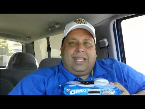 Birthday Cake Oreos REVIEW!!